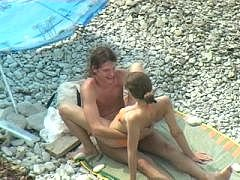 0/0 - Baise sur la plage ! video sex…
